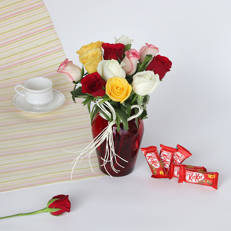 Flower With Holi Special Sweets Hamper
