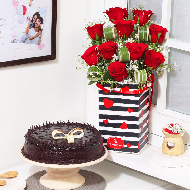 Valentine Combo Of Flower and Cakes
