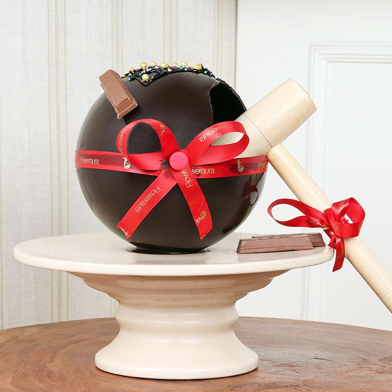 Delicious Round Choco Pinata Cake for Birthday