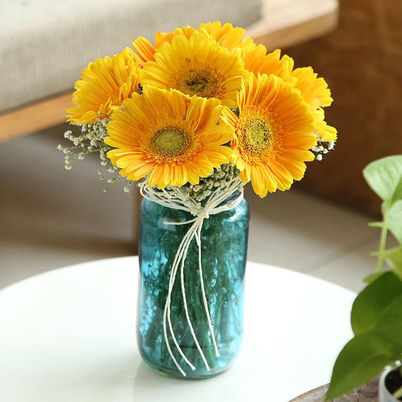 Stunning Green Glass Vase