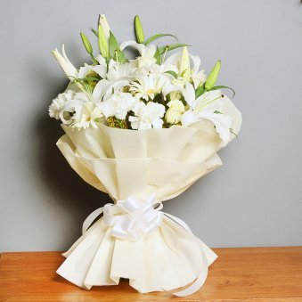 12 Mixed White Flowers