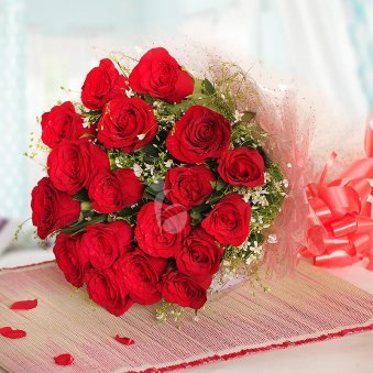20 red roses Bunch in Horizontal View