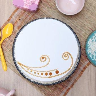Top view Vanilla Birthday Cake