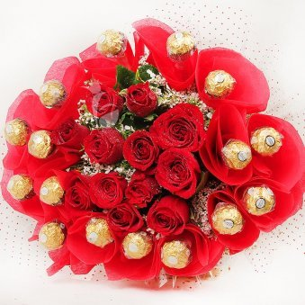 Top view of Rosy Rocher Bouquet