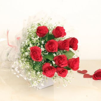 Valentines Kiss Day Gift - 10 Red Rose Bouquet