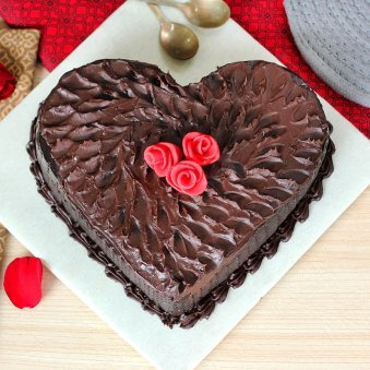Chocolicious Heart Cake with Zoom View