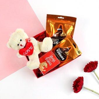 Cuddly Kisses Vday Box