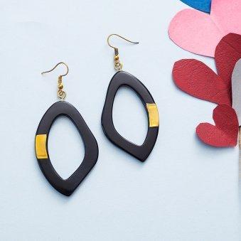 Elegant Black Geometric Earrings