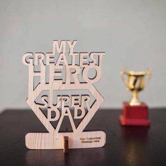 Fabulous Tabletop Showpiece for Super Dad