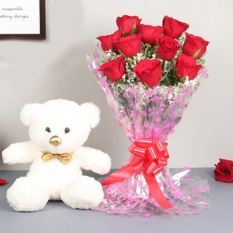 Cute Teddy With Valentine Day Roses