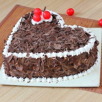Choco Filled Heart Cake