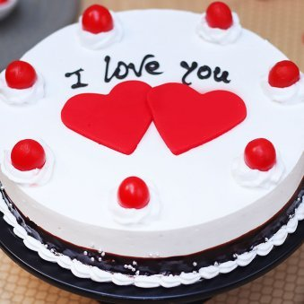 Zoom view I Love You Cake