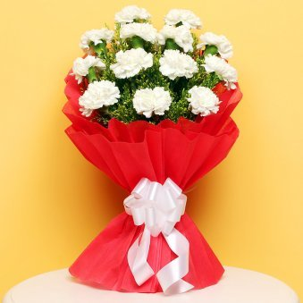 Bouquet of 12 White Carnations