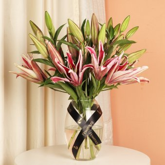 Pink Lilies In A Vase - Arrangement of 6 Pink Lilies in a Glass Vase