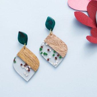 Sophisticated Leaf Shaped Earrings