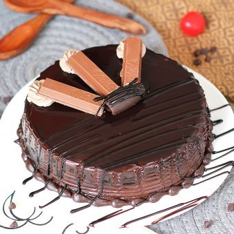 Chocolate Cake With Kit kat