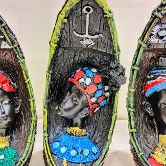 Zoom view of Middle Side Idol - Three Gorgeous Black Lady Idol