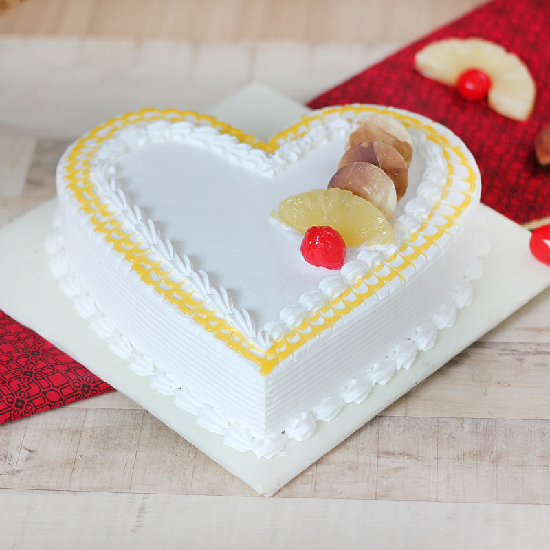 Pineapple Flavored Heart Shaped Cake with Normal View