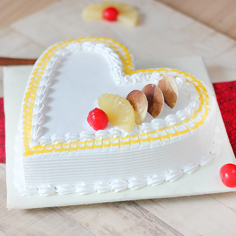 Pineapple Flavored Heart Shaped Cake - Zoom View