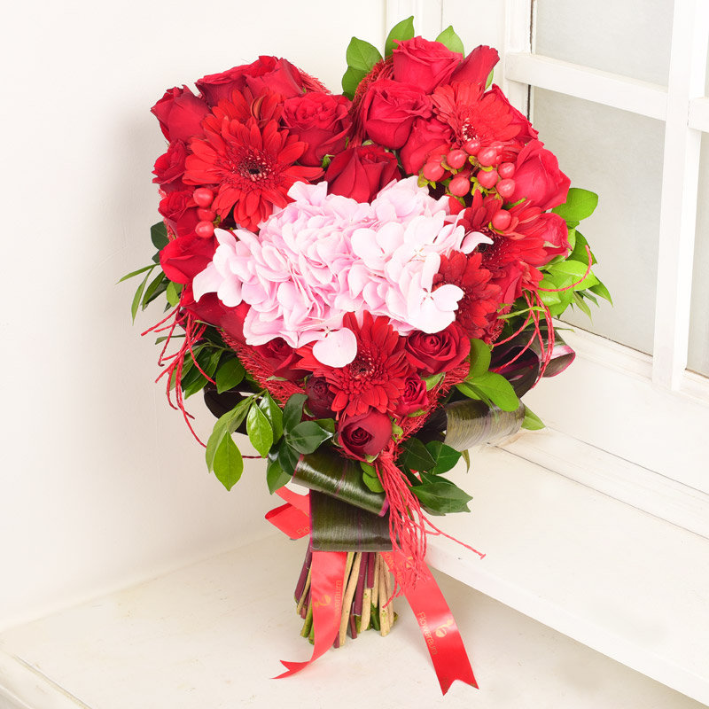 Touch of Love - Roses With Gerberas