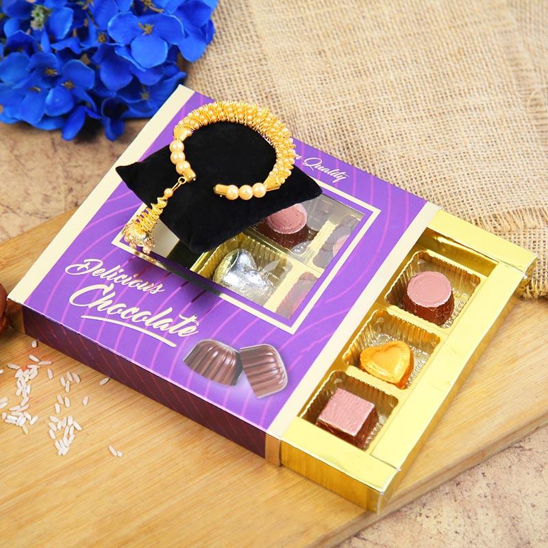 Traditional Rakhi & Handmade chocolates Combo - Bhaiya Bhabhi Rakhi and Handmade Chocolate