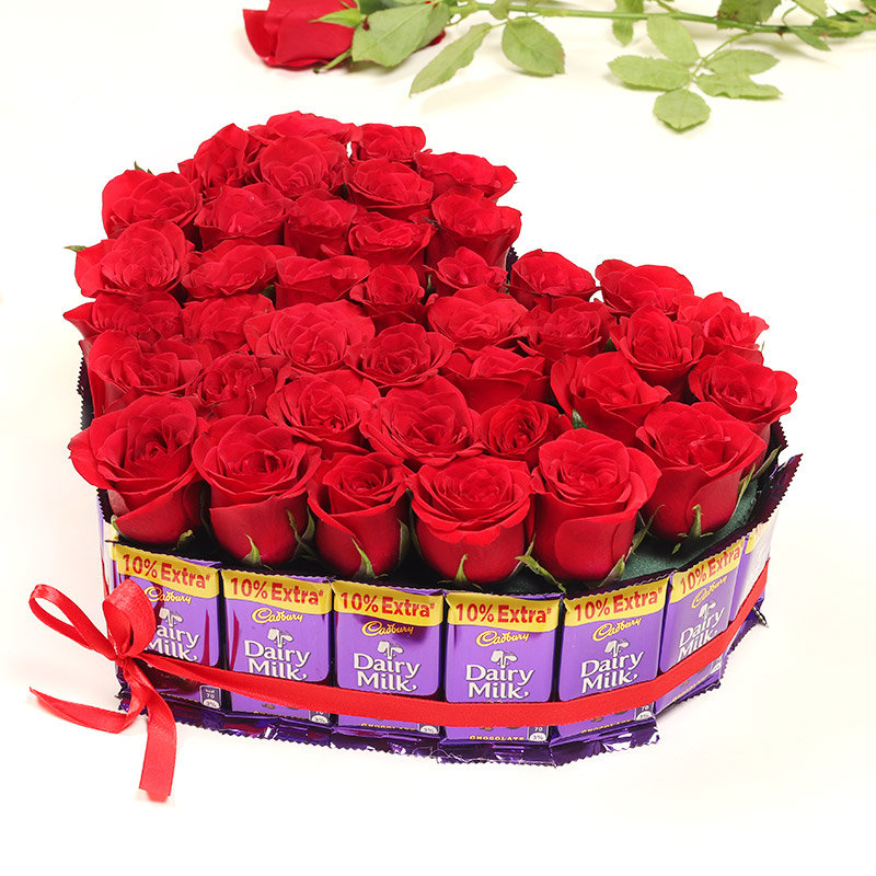 Two Hearts Delight Valentine Flower and Chocolate Combo