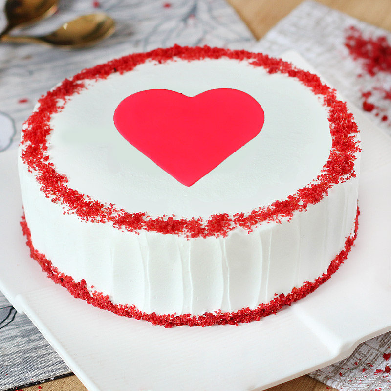 Anniversary Special Cake With A Fondant Heart