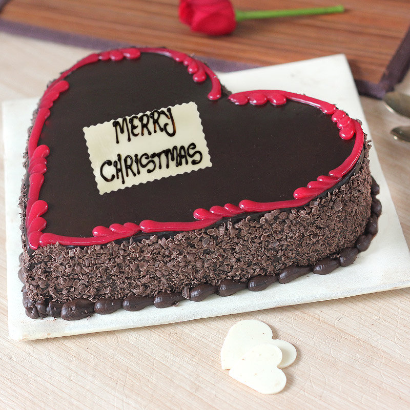 Christmas Cakes Heart Shaped - Zoom View