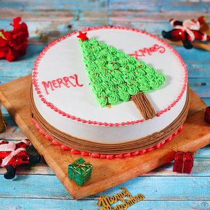 Christmas Tree Cream Cake